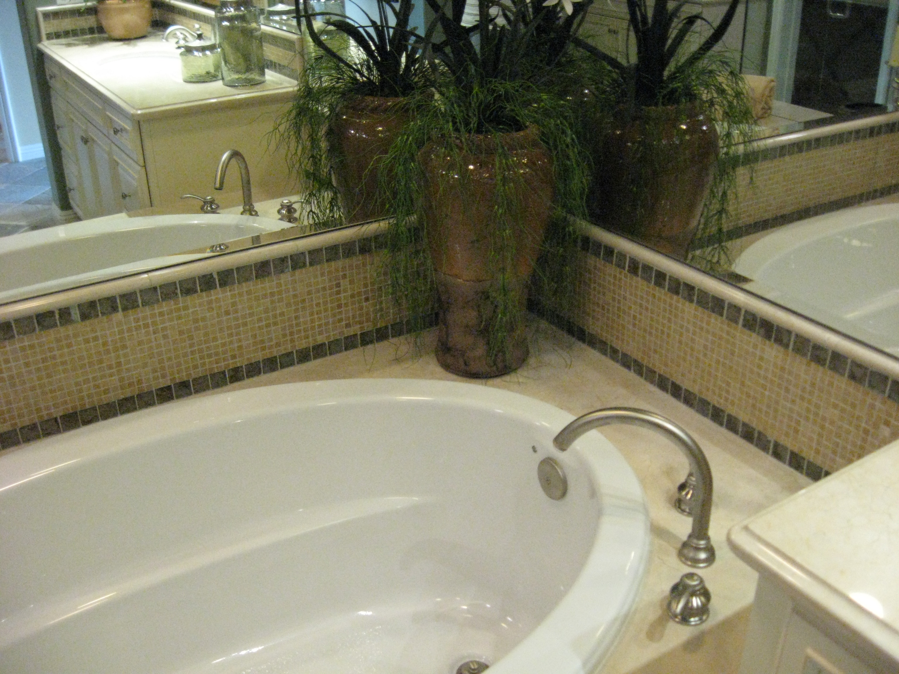 Lot 218 Plan B Master Tub III – Home Accents