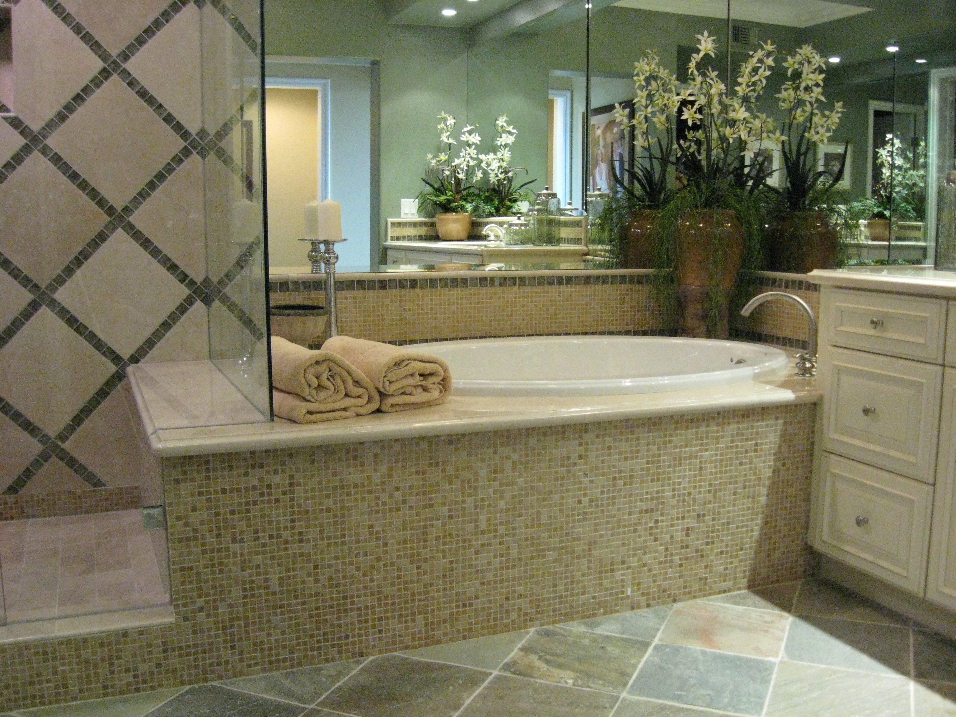Lot 218 Plan B Master Tub – Home Accents